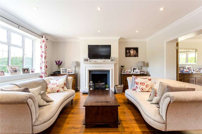 4 Bedrooms Detached House for sale in Hook Hill, South Croydon, CR2