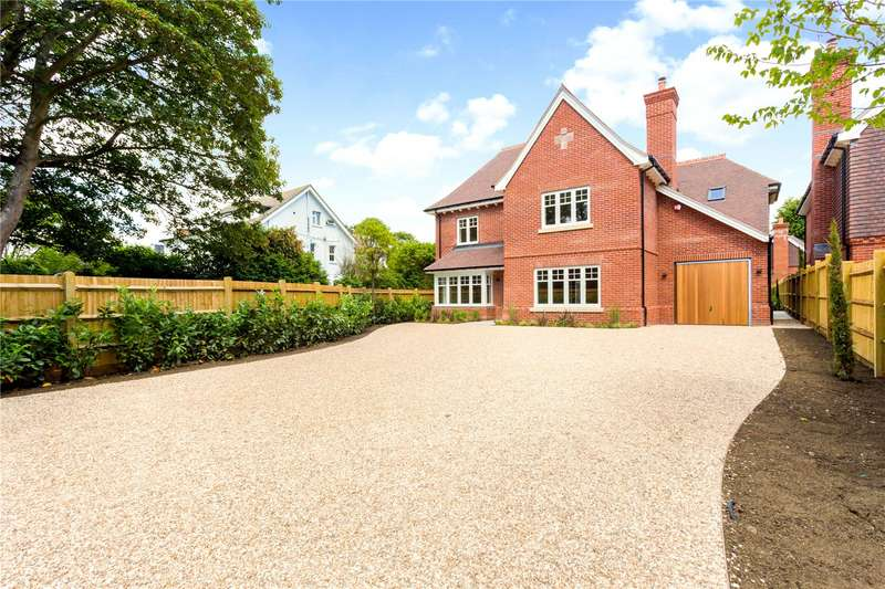 5 Bedrooms Detached House for sale in Summersdale, Chichester, West Sussex, PO19