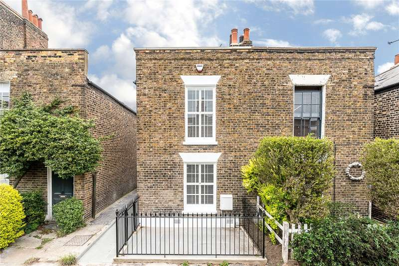 2 Bedrooms Terraced House for sale in Lillieshall Road, London, SW4