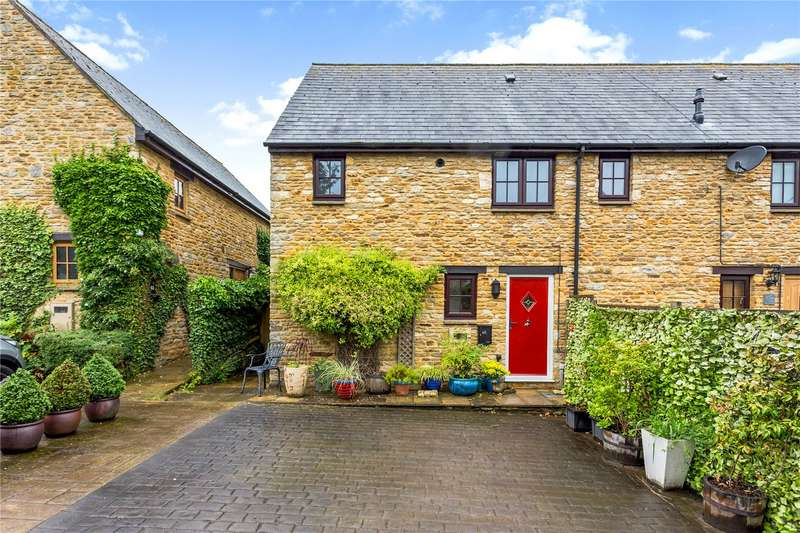 2 Bedrooms Terraced House for sale in High Street, Croughton, Brackley, Northamptonshire, NN13