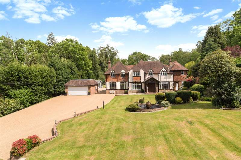 6 Bedrooms Detached House for sale in Old Hollow, Worth, West Sussex, RH10