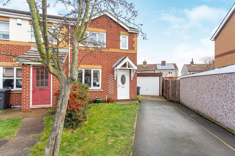 3 Bedrooms Semi Detached House for sale in Storrs Wood View, Cudworth, Barnsley, South Yorkshire, S72