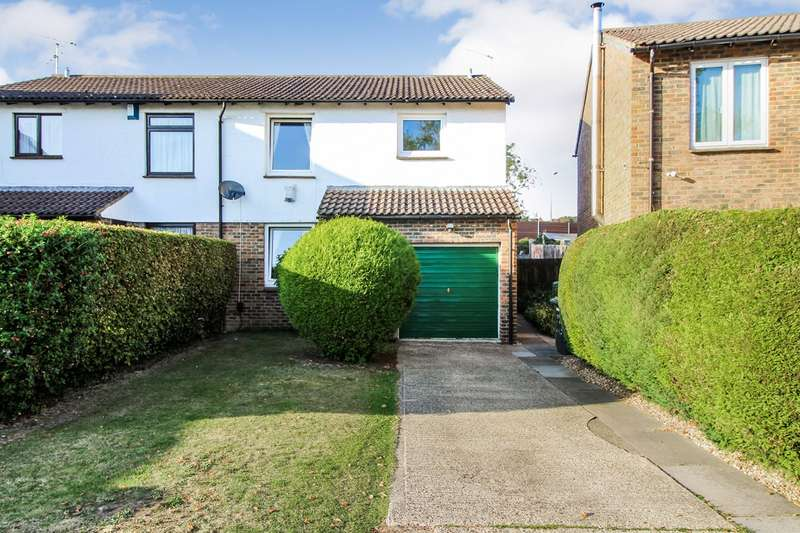 4 Bedrooms Semi Detached House for sale in Hatfield Court, Calcot, Reading, RG31