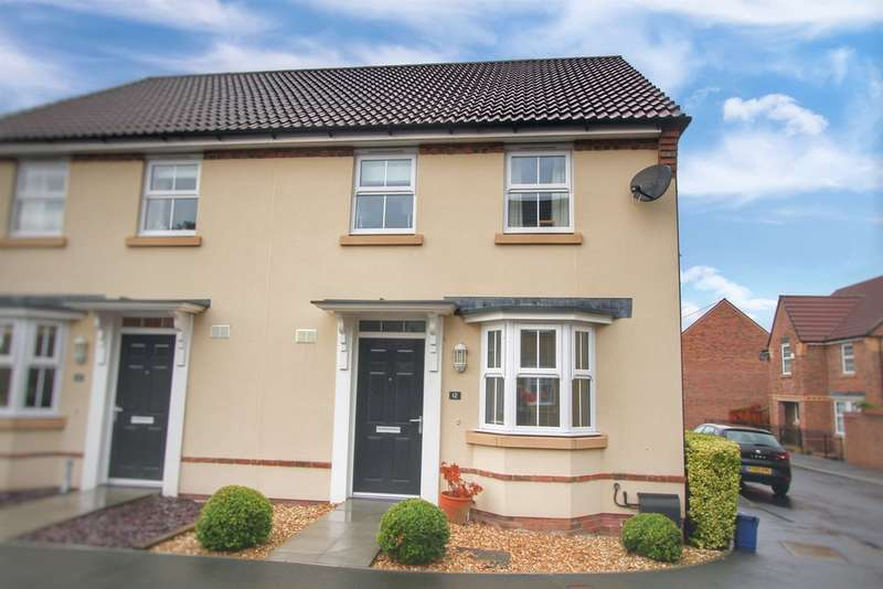 3 Bedrooms Semi Detached House for sale in Langpen Drive, Llanfoist, Abergavenny