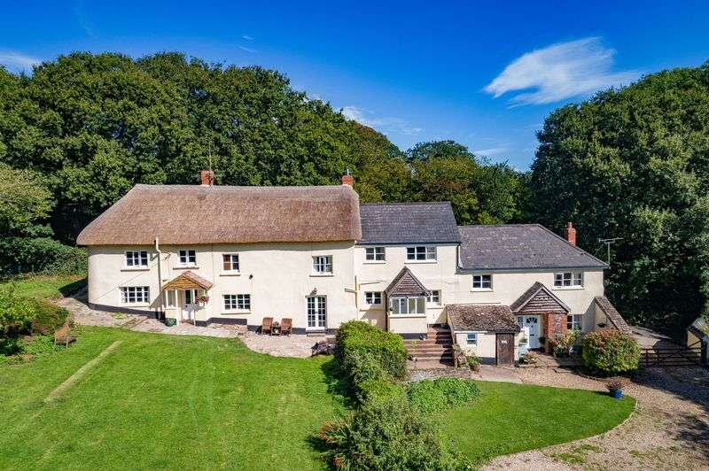 5 Bedrooms Property for sale in Oldborough Morchard Bishop, Crediton