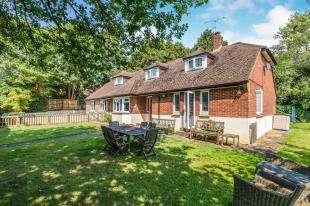6 Bedrooms Bungalow for sale in Grove Green Lane, Weavering, Maidstone, Kent