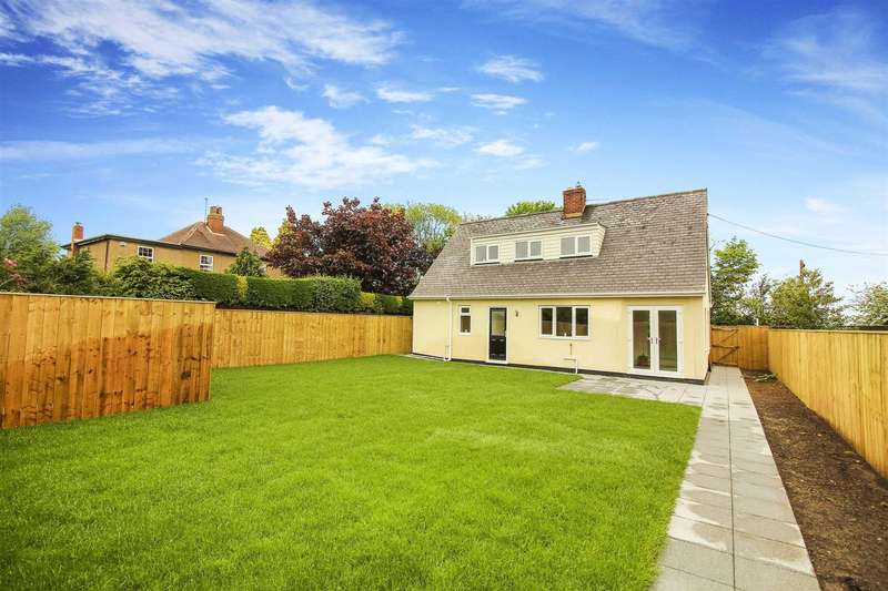 3 Bedrooms Detached House for sale in South Road, Longhorsley, Morpeth