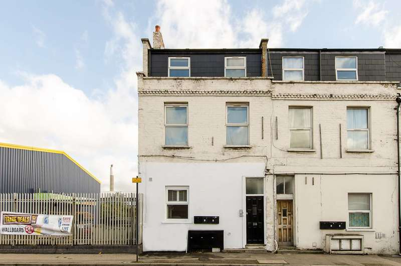 2 Bedrooms Flat for rent in Ilderton Road, South Bermondsey, SE15