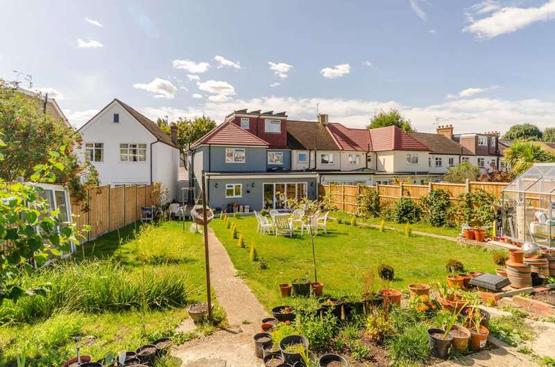 6 Bedrooms End Of Terrace House for sale in Stayton Road, Sutton Common, SM1