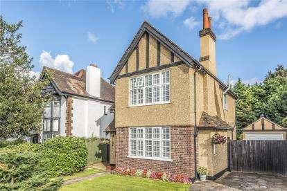 3 Bedrooms Detached House for sale in Park Avenue, West Wickham