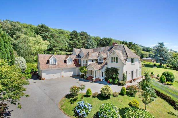 4 Bedrooms Detached House for sale in Sidbury Hill, Sidbury, Sidmouth, Devon