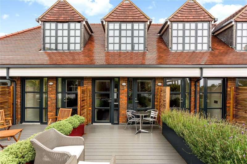 2 Bedrooms Flat for sale in Stancrest, 16 Hill Avenue, Amersham, HP6
