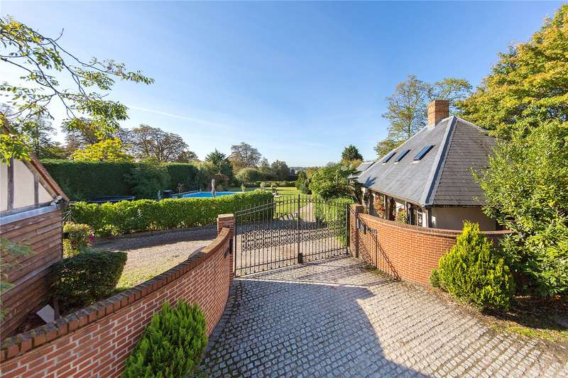 5 Bedrooms Detached House for sale in Epping Road, Ongar, Essex, CM5