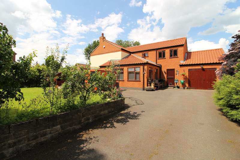 4 Bedrooms Detached House for sale in Lodge Lane, Upton DN21
