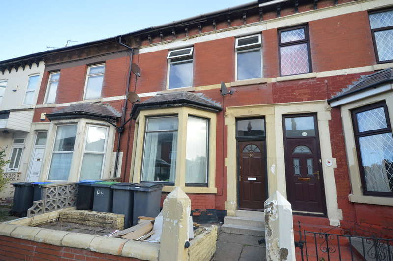 3 Bedrooms Flat for sale in Grasmere Road, Blackpool FY1