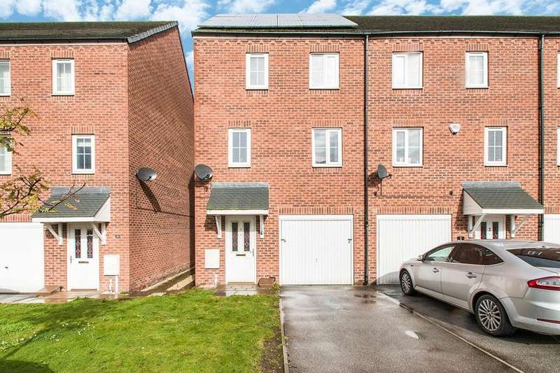 3 Bedrooms Terraced House for rent in Gilwell Court, Thorpe, Wakefield, WF3