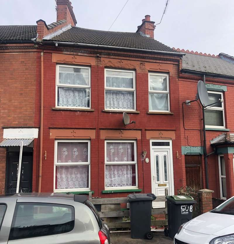 2 Bedrooms Terraced House for sale in Russell Rise, Luton, Bedfordshire, LU1 5ET