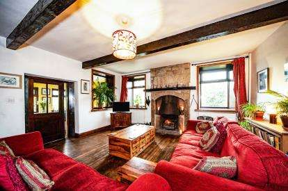 3 Bedrooms Semi Detached House for sale in Stunstead Farmhouse, Stunstead Road, Trawden, BB8