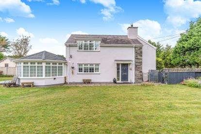 3 Bedrooms Semi Detached House for sale in Morfa Bychan, Porthmadog, Gwynedd, ., LL49