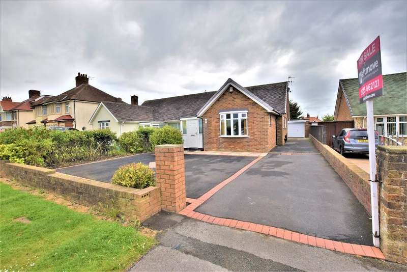 3 Bedrooms Semi Detached Bungalow for sale in Devonshire Road, Blackpool