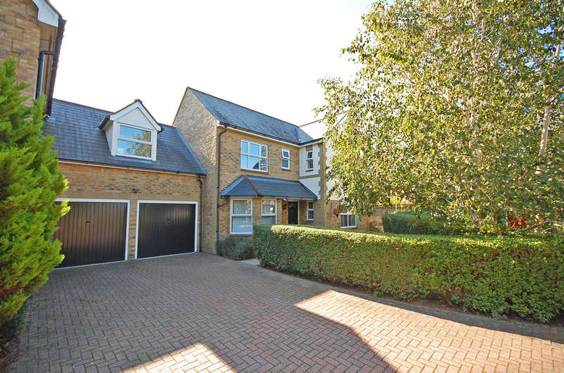 4 Bedrooms Link Detached House for sale in Chatsworth Avenue, Great Notley, Braintree, CM77