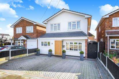 4 Bedrooms Detached House for sale in Hullbridge, Hockley, Essex