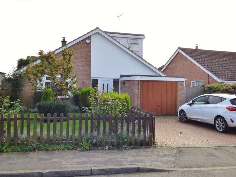 4 Bedrooms Detached Bungalow for sale in Barnfield, Main Street, Brandon, CV8 3HW