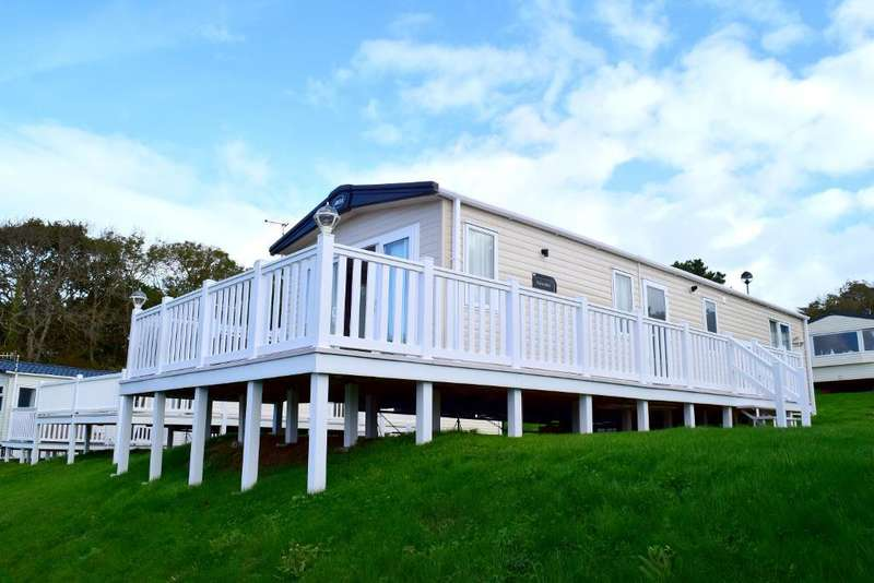 2 Bedrooms Mobile Home for sale in Whitecliff Bay, Bembridge, PO35 5PL
