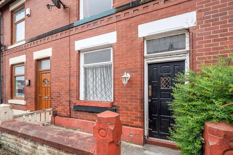 2 Bedrooms Property for rent in Barlow Street, Radcliffe, Manchester, M26