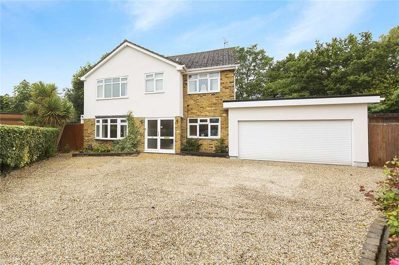 5 Bedrooms Detached House for sale in Bishops Court Gardens, Chelmsford, Essex, CM2