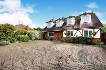5 Bedrooms Detached House for sale in Runwell, Wickford, Essex