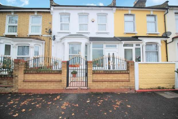 5 Bedrooms Terraced House for sale in Westdown Road, Stratford, Greater London, E15 2DA