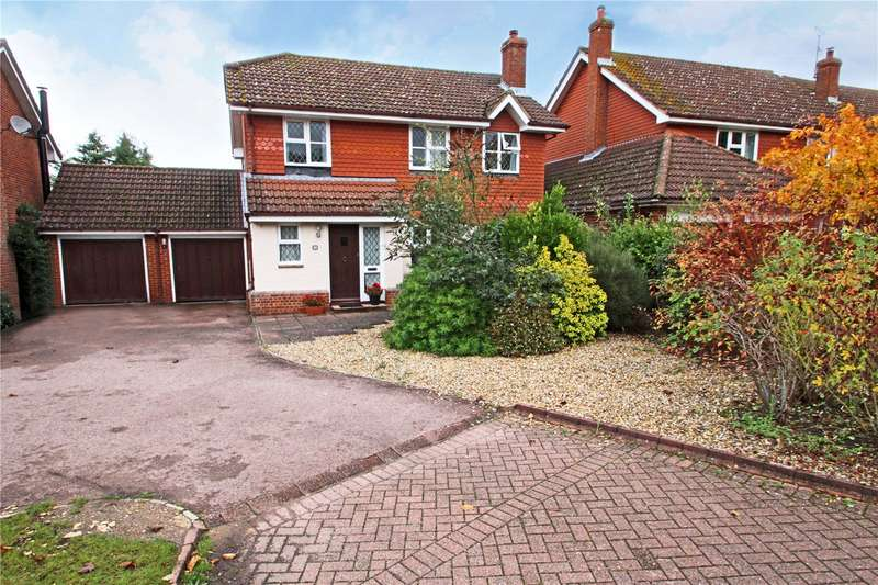 4 Bedrooms Detached House for sale in Wilson Drive, Ottershaw, Surrey, KT16
