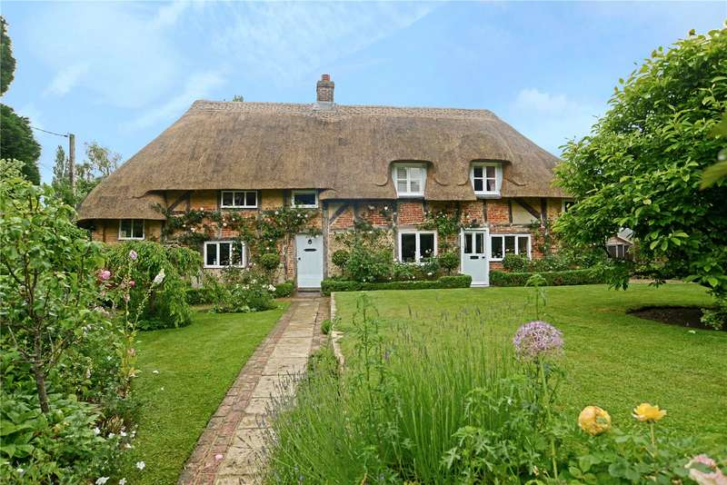 3 Bedrooms Detached House for sale in Steep, Petersfield, Hampshire, GU32