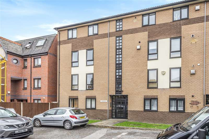 2 Bedrooms Apartment Flat for sale in Barchester Close, Uxbridge Road, London, W7