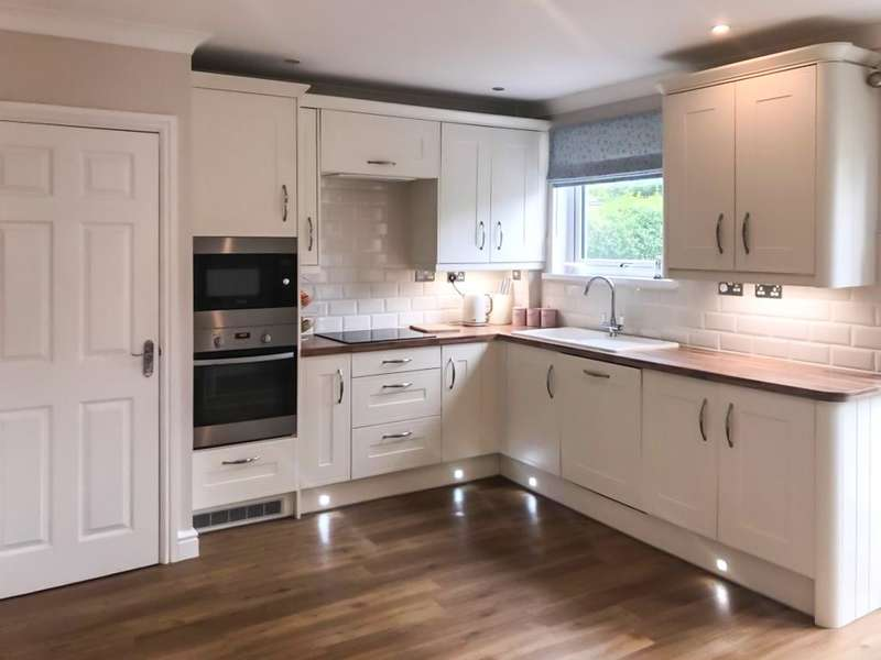 3 Bedrooms Semi Detached House for sale in Emlyn Avenue, Ebbw Vale, NP23