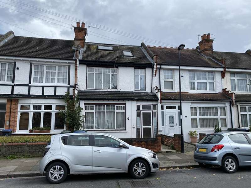 5 Bedrooms Property for sale in River Avenue, Palmers Green, London, N13