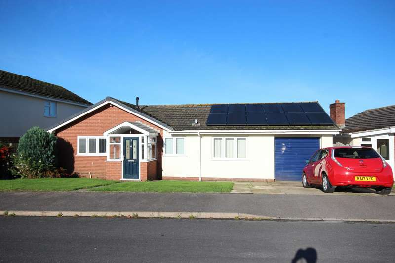 3 Bedrooms Bungalow for sale in Marlborough Close, Axminster