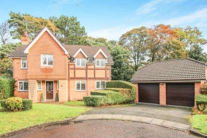 5 Bedrooms Detached House for sale in Redstone Rise, Prenton, Merseyside, CH43