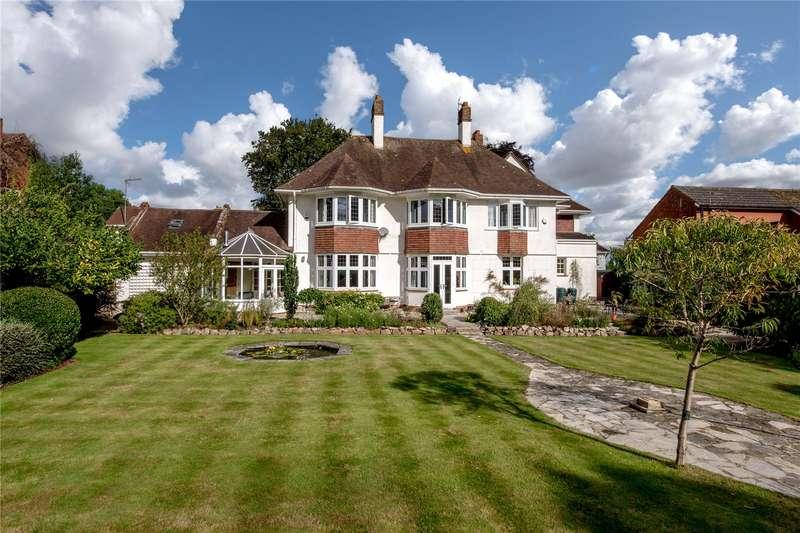5 Bedrooms Detached House for sale in Wellesley Park, Wellington, Somerset, TA21