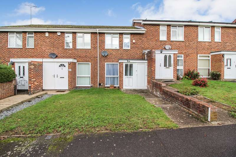 2 Bedrooms Terraced House for sale in Swanholm Gardens, Calcot, Reading, RG31