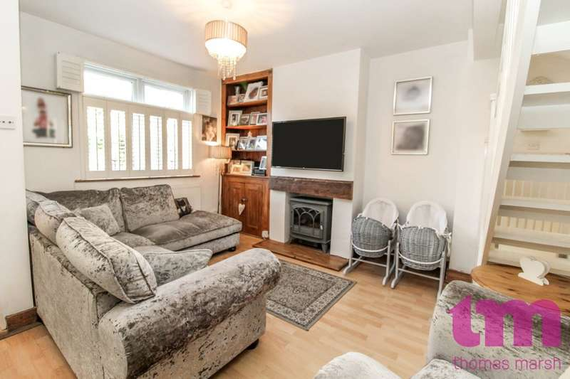 3 Bedrooms Terraced House for sale in Dock Road, Little Thurrock