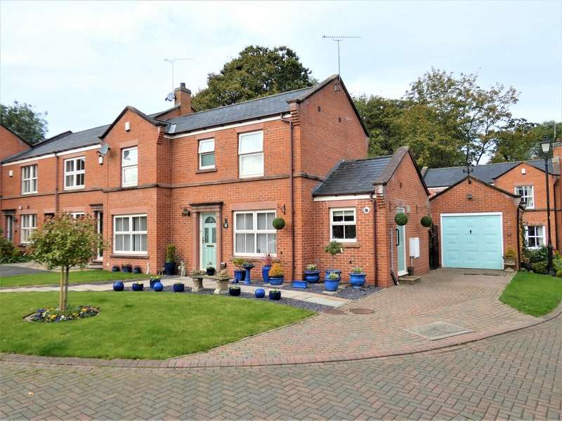 3 Bedrooms Semi Detached House for sale in Breen Close, Chester, Cheshire, CH3