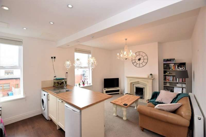 2 Bedrooms Flat for sale in Flat 2, 12 Hove Road Lytham St Annes