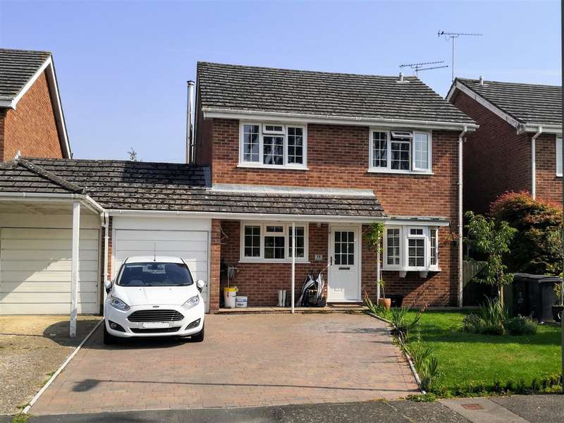 4 Bedrooms Detached House for sale in Manor Close, Wickham