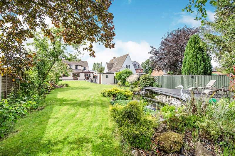 4 Bedrooms Detached House for sale in Coventry Road, Bulkington, Bedworth, Warwickshire, CV12