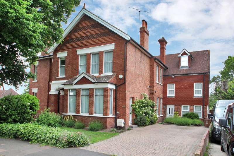 5 Bedrooms House for sale in Priestlands Park Road, Sidcup, Kent, DA15 7HJ