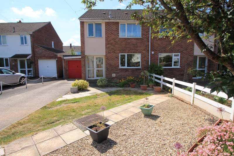 3 Bedrooms Semi Detached House for sale in Westward Drive, Pill, North Somerset, BS20 0JR