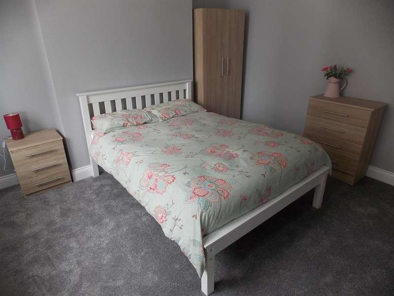 4 Bedrooms Terraced House for rent in Marton Road, Middlesbrough, TS4 2EW