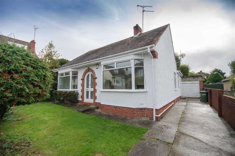 2 Bedrooms Bungalow for sale in Glendale, Downend, Bristol, BS16 6EQ